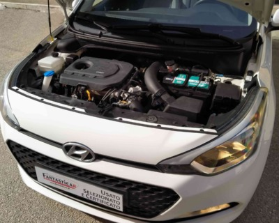 HYUNDAI i20 1'1 CRDI GASOLIO - 09 2015 www.FANTASTICAR.it BY GVD 11