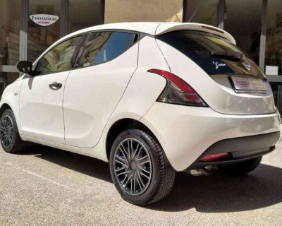 LANCIA Ypsilon 3 SERIE 1'2 BENZINA S&S - 2019 www.FANTASTICAR.it BY GVD 3